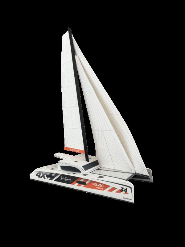 Maquette en papier de l'Outremer 4X participant à la Route du Rhum 2018